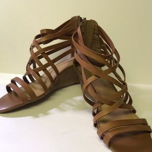 Tan Crown Vintage strapping wedge sandals